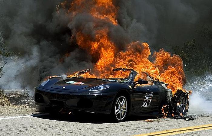 700_ferrari-f430-spider-on-fire