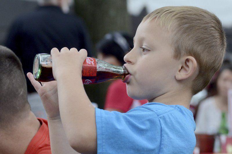 Можно ли маленьким детям давать пиво