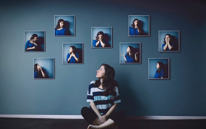 emotions-photo-gestures-portraits-girl-wall439-688x430
