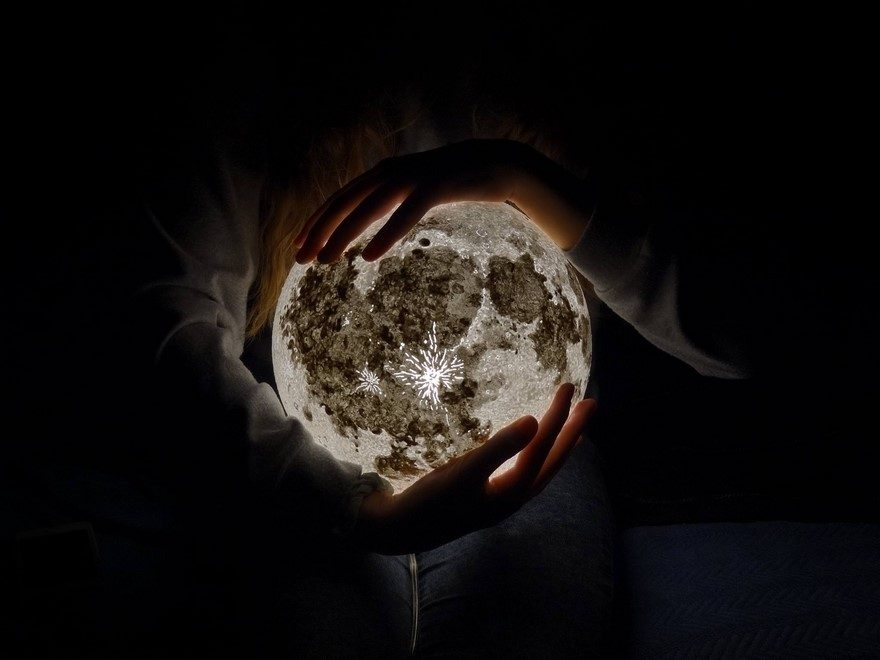 moon-lamp-pulsarmoonlight-4