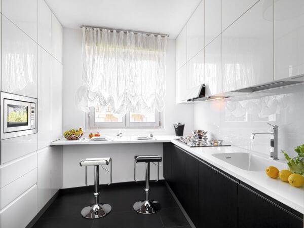 resized-black-and-white-kitchen-25