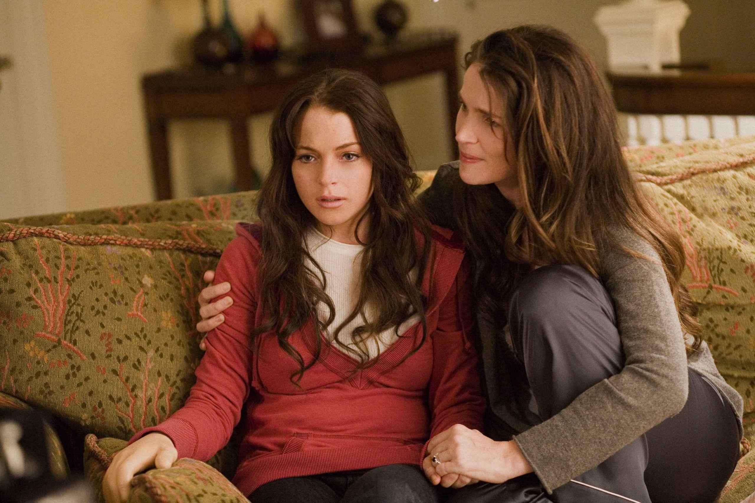 Lindsay Lohan (left) and Julia Ormond star in TriStar Pictures' psychological thriller I KNOW WHO KILLED ME.
