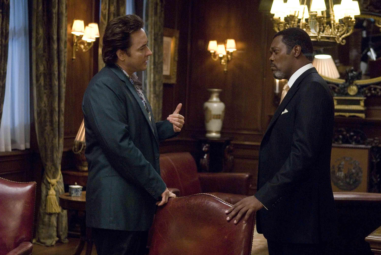 John Cusack (Mike Enslin) and Samuel L. Jackson (Mr. Olin) star in Mikael HŒfstršm's 1408.