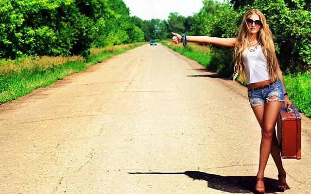Hitchhiking-Girl