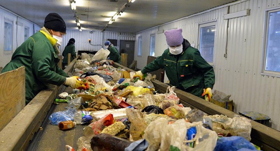 Какая страна покупает мусор для переработки